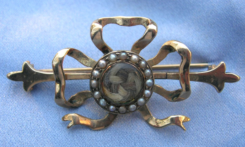 Bow 19th Century Brooch