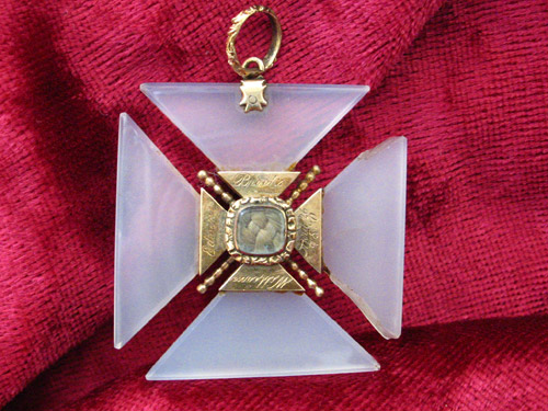 Maltese Cross / Cross Formée Pendant Agate 1830