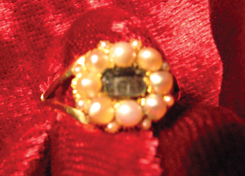 Pearl mourning ring