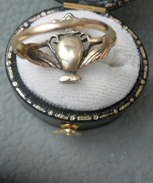 Georgian Diamond Urn Ring fede