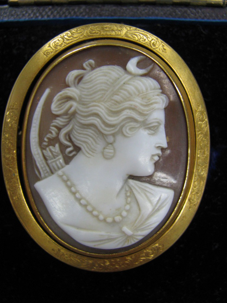 Diana Forsyth Family Brooch - Artemis Cameo mid 19th Century with Hairwork