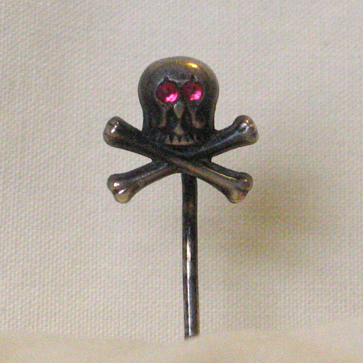 Mento Mori Skull Pin Ruby Eyes