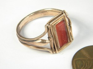 Pietas Swivel Ring