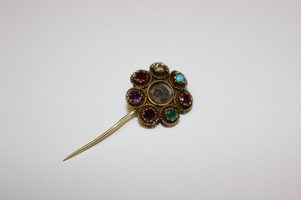 REGARD pin with turquoise