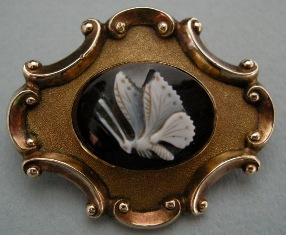 "Butterfly mourning brooch, sardonyx cameo ""Henry James Esqr died /13th Nov 1839 in his 80th Year"""