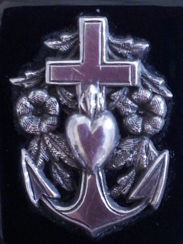 faithhopecharity_pendant1