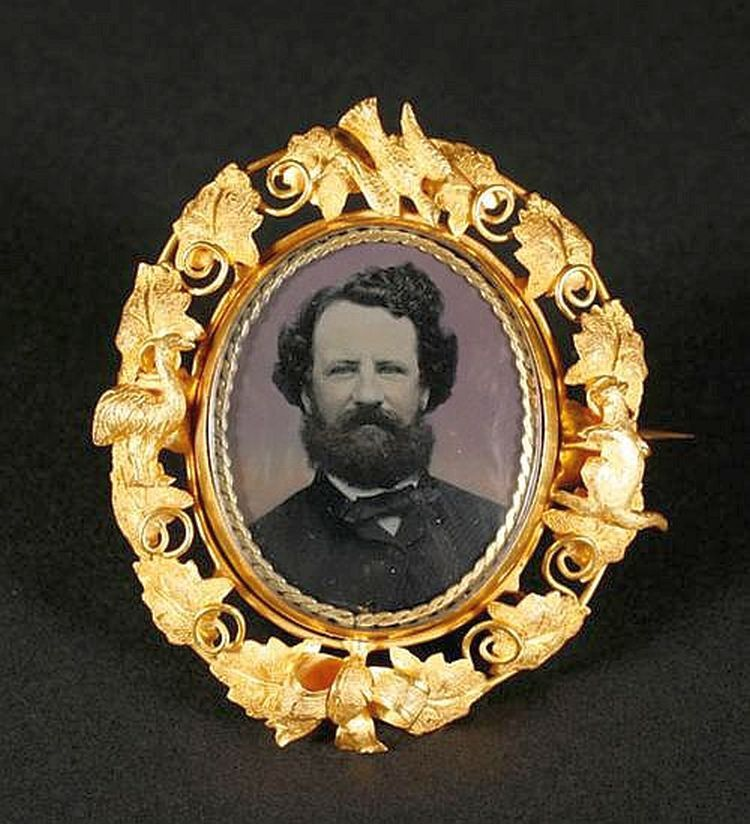 Australian photographic brooch, c.1860
