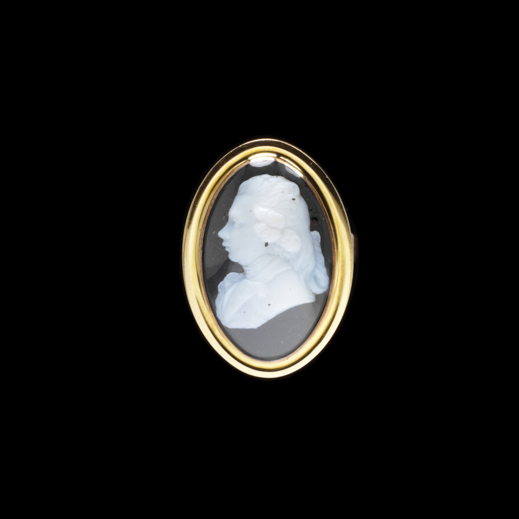 c.1786, Gold ring, the oval bezel set with a James Tassie paste cameo of George, Prince of Wales, later King George IV