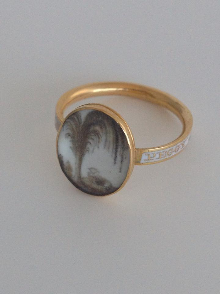 "White enamel ring with lamb symbolism, ""Peggy Pine OB: 30 June 1776 AE: 9 Yrs"""