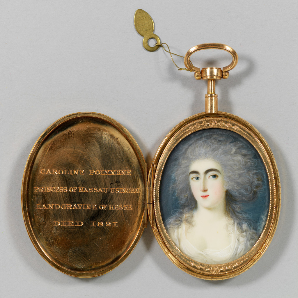 1821_locket_miniature01