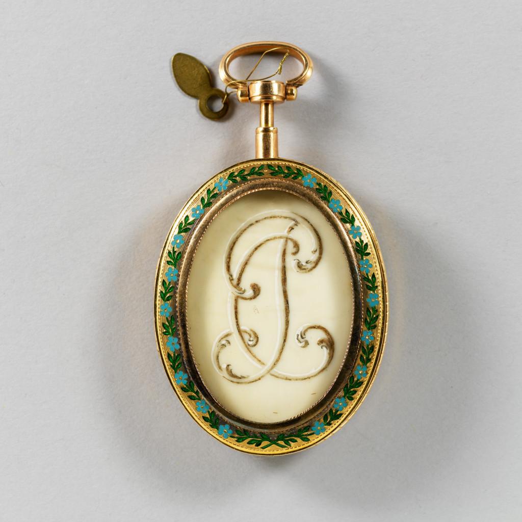 1821_locket_miniature03