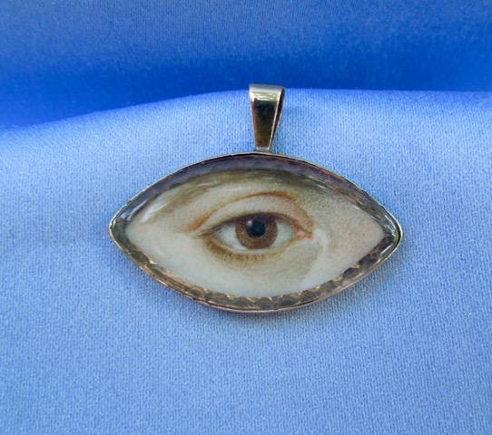 Eye miniautre pendant.