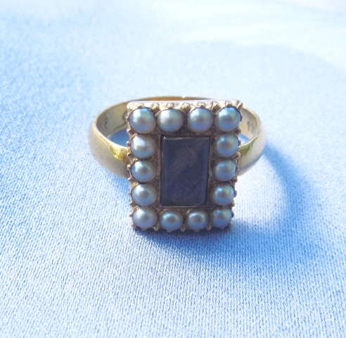 "Front of posie ring with later conversion, reading ""Fear God Love me""."
